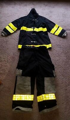 Firefighter Turnout Gear Quaker Safety 42x33 Coat & Cairns Pants 36x28 Milford