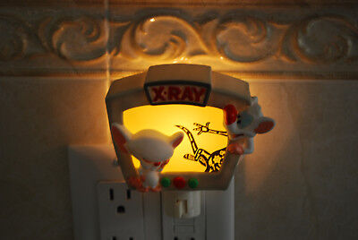 PINKY AND THE BRAIN NIGHT LIGHT. TESTED WORKING !. Great Holiday Gift