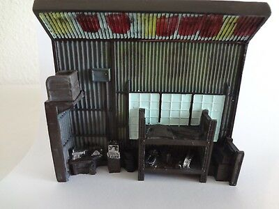 1:64 Scale Resin Garage Diorama - Loose New Mint 1:64