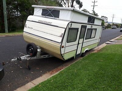 Caravan Pop Top 17ft Viscount Aero lite with tripple bunks & new pop top sleeve