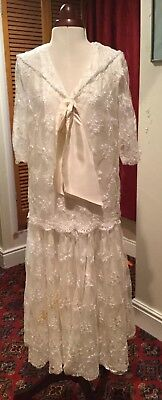 VINTAGE 1980's RETRO 1920's IVORY LACE WEDDING DRESS/THEATRICAL BY LYN LUNDIE