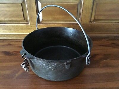 Antique Findlay Cast 3817 Iron Pot With Handle No. 8 Made in Canada