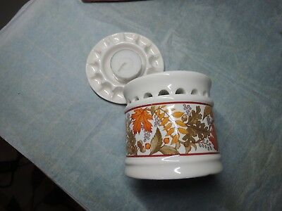 Avon Fragrance Warmer w Potpourri and  Candle Warmer-Fall Motiff-Never Used