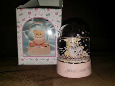 Precious Moments 1990 Jesus Loves Me Waterball Snow Globe Figurine NEW