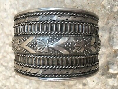 Antique Rare Palestinian Hand Etched Ancient Silver Cuff Bracelet 54 grams