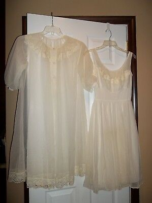 Shadowline Vintage Peignoir Set Coat And Gown Size Small 34 All Nylon Vintage Li