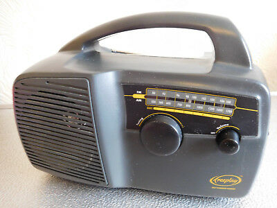 BAYGEN FREEPLAY PORTABLE Wind Up AM / FM Radio By Trevor Baylis