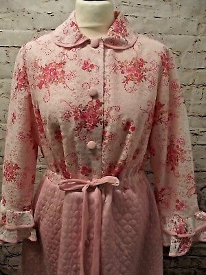 Vintage Pink Quilted Nylon Floral Lace Housecoat Dressing Gown Robe Sassy Mod