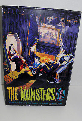 TVs The Munsters Universal polar lights model assembly kit . contents  sealed