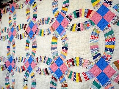 Vintage 30's wedding Ring Quilt hand quilted pastel Pink