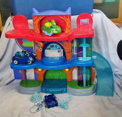 PJ Masks Headquarters Playset - Catboy, Gekko and Cat-car vehicle & Gekko Mobile
