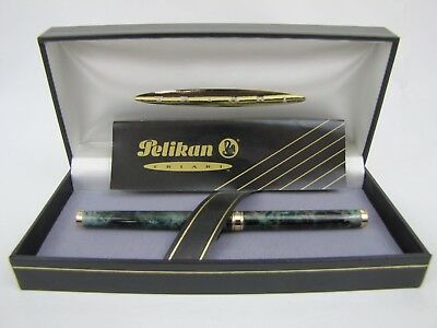 Rare Pelikan Triari Fountain Pen Green Marble with Box and Booklet - Needs Ink