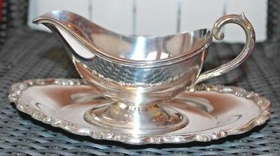 Good Looking Vintage Silver Plated Gravy Boat And Dish.C1930s