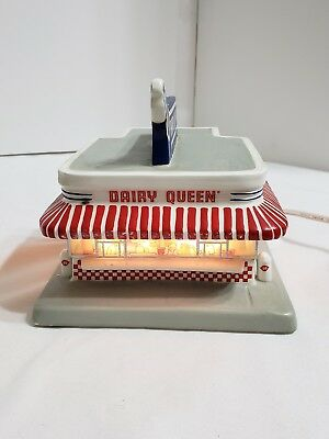 Main Street Memories DAIRY QUEEN Building 1996 Hawthorne Village Christmas