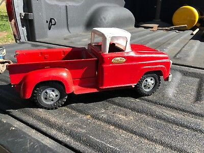 Vintage Metal Toy Tonka Toys Red Pick Up Truck Nice!