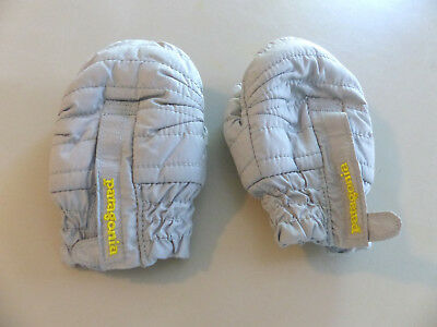 Patagonia baby mittens size 6-12 months water resistant gray lined in soft fluff