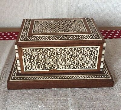 Antique Rare Middle Eastern Mop And Bovine Inlay. Dispensing Cigarette Box