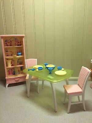 BARBIE 1999 LIGHT up Dining Room Playset-hutch,table, Chairs & Accessories  BS-3