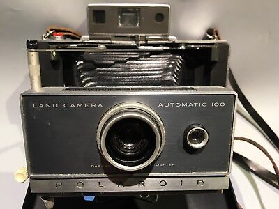 Vintage Polaroid Automatic 100 Land Camera with Timer