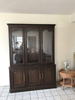 Vibtage Mid Century Dining Room Hutch