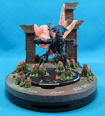 HorrorClix HeroClix AVP Alien Queen and Egg Base Game Piece