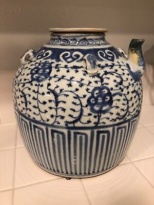 LARGE Antique Chinese Blue & White Porcelain water jug / wine pot / teapot