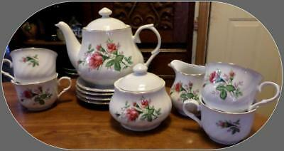 Lynns Fine China Victorian Rose Tea Set Teapot/Sugar/Creamer 4 Cups Saucers