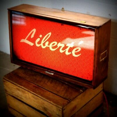 Liberte Lightbox - wallart