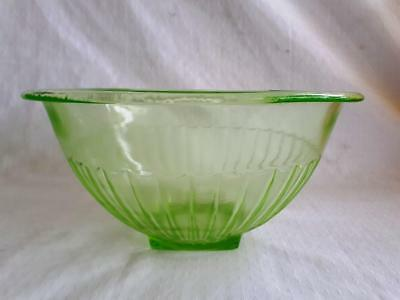 Great Collectable Vintage Green URANIUM / Depression Glass Mixing Bowl