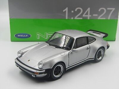 Welly 1:24 - Porsche 911 Turbo anno 1974 silver