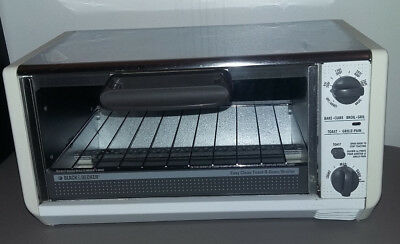 Admirable Black Decker Undercabinet Spacemaker Toaster Oven Model Tro 570 Ty4 Interior Design Ideas Oxytryabchikinfo