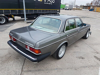 Mercedes W 123 300 Turbo Diesel, California, kein Rost !!
