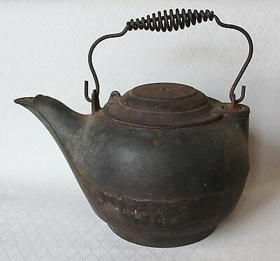 Vintage Metal Cast Iron Camp Fire Tea Pot Kettle Outdoors