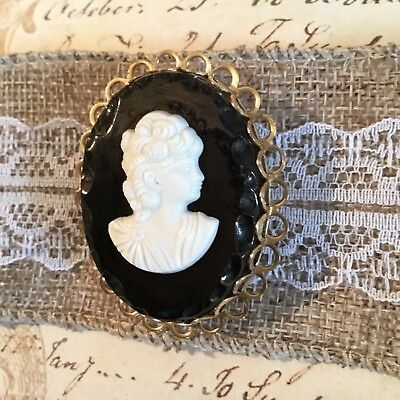 Vintage Art Deco Victorian Obsidian Cameo Brooch Gold Plated Frame Brooch Pin
