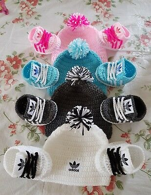 Handmade crochet baby shoes and hat set for baby 0-3 months