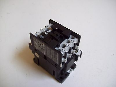 Moeller Dil00 M4 Contactor 24Vdc - Used - Free Shipping