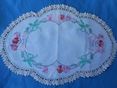 Vintage Hand Embroidered Doily Doiley Doilie