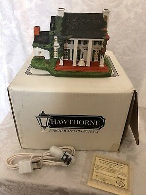 "Vintage Hawthorne Porchlight Collections ""Tara"" #79421- House Sculpture"