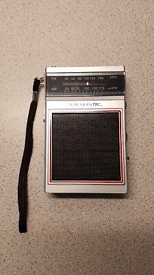 REALISTIC TANDY Am FM Transistor Radio Model 12-719 Tested Works Okay