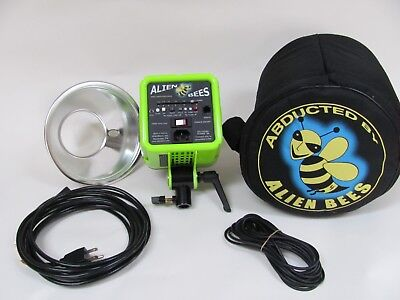 Alien Bees B400 Studio Flash w/ Reflector, Cables & Carrying Case