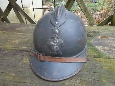 WW1 French Model 15 steel helmet with Engineers badge