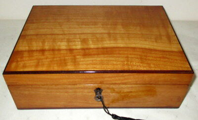 WONDERFUL DESK TOP ANTIQUE FRUITWOOD BOX with key