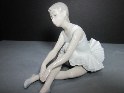"Lladro Nao Figurine #0151  ""seated Ballerina Stretching"" Mint  Collectible  Rare"