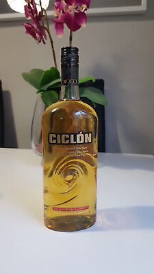 Very Rare Bacardi Ciclon Bottle In 1 Liter And 35%  Discontinued Tax Free Bacard