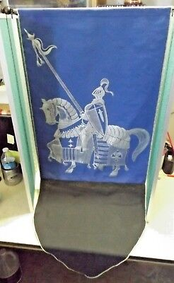"""Large SILVER KNIGHT Figure on BLUE BANNER 20"""" by 47"""" FLAG EUC"""