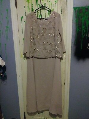 72bc51c4b1 Gently Used Vintage Mother Of The Bride Style Formal Party Wedding Gown