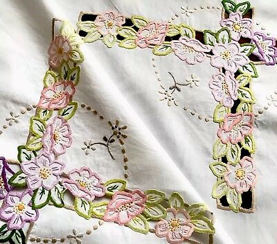VINTAGE HAND EMBROIDERED CUTWORK WHITE LINEN TABLE CLOTH 39x42 INCHES