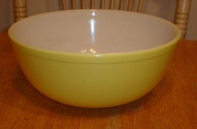 Vintage Large Pyrex 404 Primary Color Yellow Nesting Mixing Bowl 4 Quart