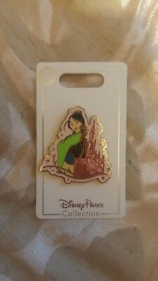 Disney New on Card Trading Pin PRINCESS BELLE /& SPARKLE CASTLE
