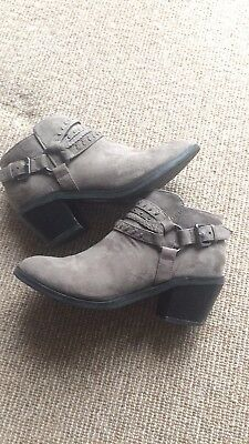 Girls Grey River Island Heeled Boots Size 2